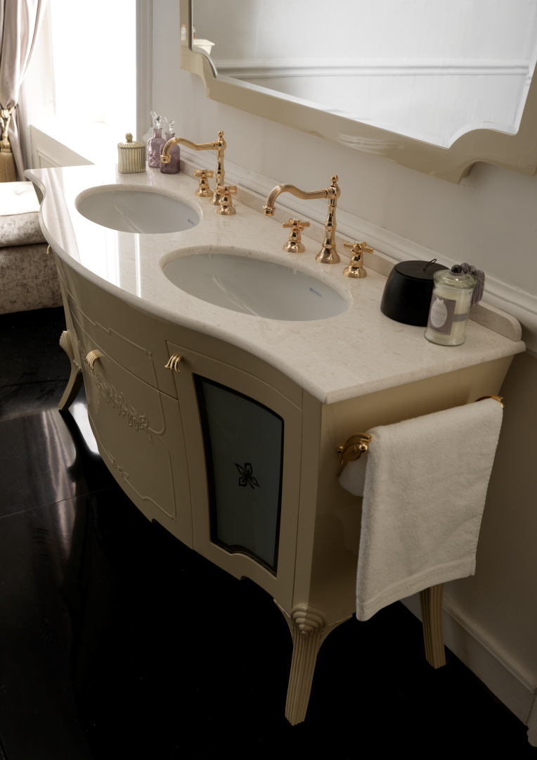 Classical Traditional Bathroom Gallery Garden - Dolce Vita Kitchen ...